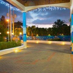 Отель Travellers Beach Resort спа