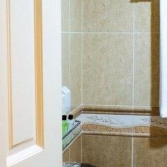 Отель Beverly Park Inn Мале ванная