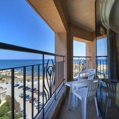 Отель Golden Tulip Vivaldi Hotel Мальта, Сан Джулианс - 2 отзыва об отеле, цены и фото номеров - забронировать отель Golden Tulip Vivaldi Hotel онлайн балкон