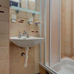 Отель Pod Grotem Польша, Варшава - отзывы, цены и фото номеров - забронировать отель Pod Grotem онлайн ванная фото 2