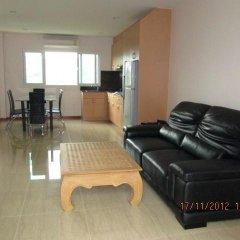 Апартаменты Rm Wiwat Apartment Люкс с различными типами кроватей фото 9