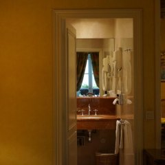 Отель Relais Médicis 4* Номер Делюкс с различными типами кроватей фото 2