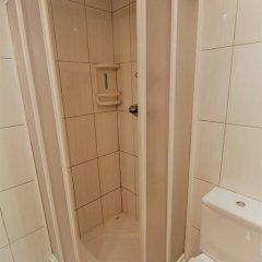 Отель J&V Avda Montserrat Испания, Курорт Росес - отзывы, цены и фото номеров - забронировать отель J&V Avda Montserrat онлайн ванная