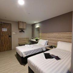 Отель Ibis Budget Singapore Crystal 2* Улучшенный номер с различными типами кроватей фото 3