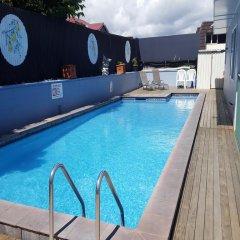 Отель Kowhai & Colonial Motel бассейн фото 2