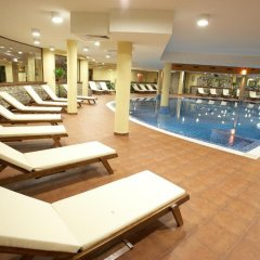 Отель Vihren Palace Ski & SPA бассейн