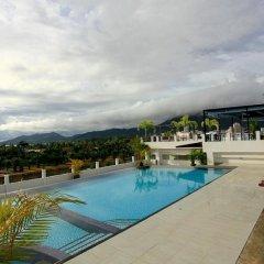 Malin Patong Hotel бассейн
