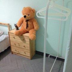 Хостел на Красном Семейный номер категории Эконом с двуспальной кроватью фото 7