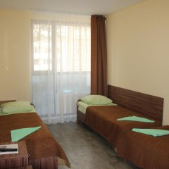 Отель Вояж 2* Кровать в общем номере фото 13