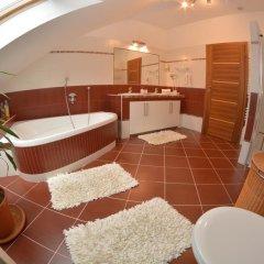 Отель Apartmán Bílá Hora Roudná Пльзень ванная