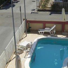 Hotel Aron бассейн
