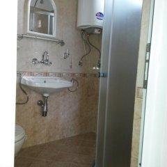 Отель Guest House Ofilovi Болгария, Равда - отзывы, цены и фото номеров - забронировать отель Guest House Ofilovi онлайн ванная