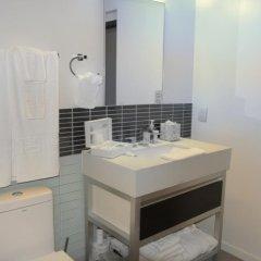 Отель Spacious Penthous @ 1010 Wilshire ванная фото 2