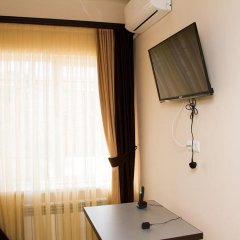 Отель Comfort House Hotel and Tours Армения, Ереван - 3 отзыва об отеле, цены и фото номеров - забронировать отель Comfort House Hotel and Tours онлайн удобства в номере фото 2