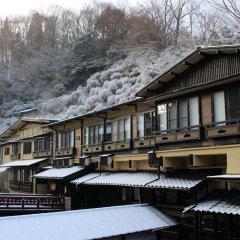 Отель Kurokawa Onsen Yama No Yado Shinmeikan Минамиогуни фото 2