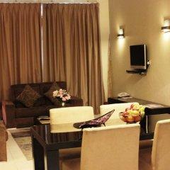 Отель Royal Ascot Hotel Apartment - Kirklees 2 ОАЭ, Дубай - отзывы, цены и фото номеров - забронировать отель Royal Ascot Hotel Apartment - Kirklees 2 онлайн комната для гостей