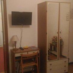 Отель Pensione Delfino Azzurro Лорето удобства в номере фото 2