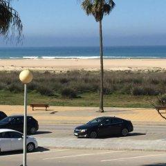 Отель Playa Conil Испания, Кониль-де-ла-Фронтера - отзывы, цены и фото номеров - забронировать отель Playa Conil онлайн пляж фото 2
