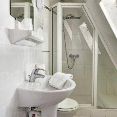 Отель Hôtel Paris Nord Франция, Париж - 1 отзыв об отеле, цены и фото номеров - забронировать отель Hôtel Paris Nord онлайн ванная фото 2