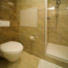 Hotel Krystal 3* Улучшенный номер с двуспальной кроватью фото 9