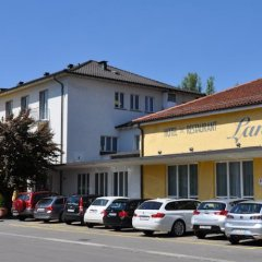 Hotel Landhus парковка