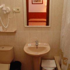 Отель Cuatro Naciones 2* Стандартный номер с различными типами кроватей