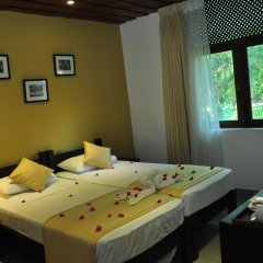 Отель Lakeside At Nuwarawewa 3* Улучшенный номер фото 2