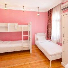 Хостел Bucoleon Кровать в женском общем номере