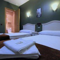 Отель Hostal Regio Номер категории Эконом с различными типами кроватей фото 2