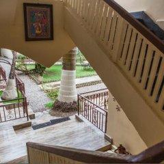Отель Mingtang Garden Cottage 名堂花园度假屋 Непал, Покхара - отзывы, цены и фото номеров - забронировать отель Mingtang Garden Cottage 名堂花园度假屋 онлайн балкон