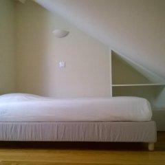Best Guest Porto Hostel Стандартный номер 2 отдельные кровати (общая ванная комната)