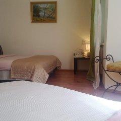 Отель Guest House in Old Town Стандартный номер с различными типами кроватей (общая ванная комната) фото 5