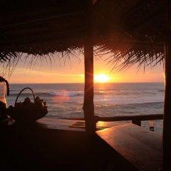 Отель Surfing Beach Guest House Шри-Ланка, Хиккадува - отзывы, цены и фото номеров - забронировать отель Surfing Beach Guest House онлайн пляж фото 2