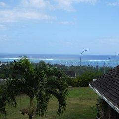 Tiki Hotel пляж