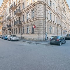Гостиница Dostobrodsky near Hermitage 1 room парковка фото 2