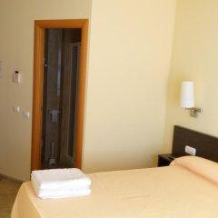 Отель Hostal Sant Sadurní Стандартный номер с двуспальной кроватью фото 9