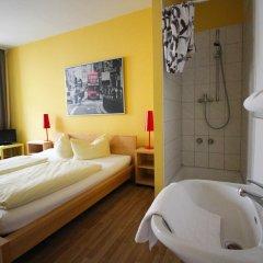 Отель Pension/Guesthouse am Hauptbahnhof Стандартный номер с двуспальной кроватью (общая ванная комната) фото 20