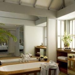 Отель The Surin Phuket 5* Люкс повышенной комфортности с двуспальной кроватью фото 4