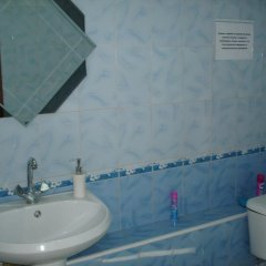 Гостиница Absolut Inn в Барнауле отзывы, цены и фото номеров - забронировать гостиницу Absolut Inn онлайн Барнаул ванная