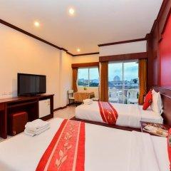 Отель Art Mansion Patong 3* Улучшенный номер с двуспальной кроватью фото 4