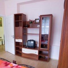 Отель Vilnius Guest House Стандартный номер с различными типами кроватей фото 7