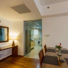 Отель Sea View Monarch Apartment Шри-Ланка, Коломбо - отзывы, цены и фото номеров - забронировать отель Sea View Monarch Apartment онлайн комната для гостей фото 5