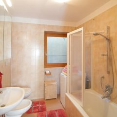 Отель Tinnerhof Аппиано-сулла-Страда-дель-Вино ванная