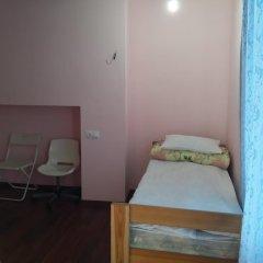 Хостел Оазис Центр Кровать в общем номере с двухъярусной кроватью