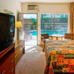 Отель Dunes Inn - Wilshire 2* Стандартный номер с различными типами кроватей фото 2