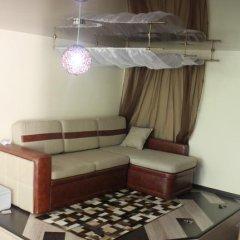 Апартаменты Apartment Makeyevka комната для гостей фото 2
