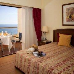 Отель Yellow Praia Monte Gordo 4* Люкс с различными типами кроватей