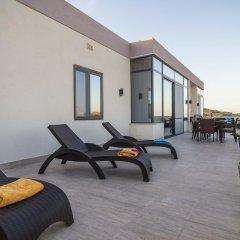 Отель Romantic Penthouse Мальта, Виктория - отзывы, цены и фото номеров - забронировать отель Romantic Penthouse онлайн балкон