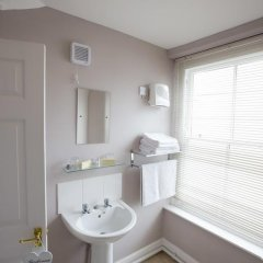 Отель Devon & Cornwall Inn ванная фото 2