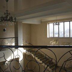 Отель Akmaral Кыргызстан, Каракол - отзывы, цены и фото номеров - забронировать отель Akmaral онлайн балкон